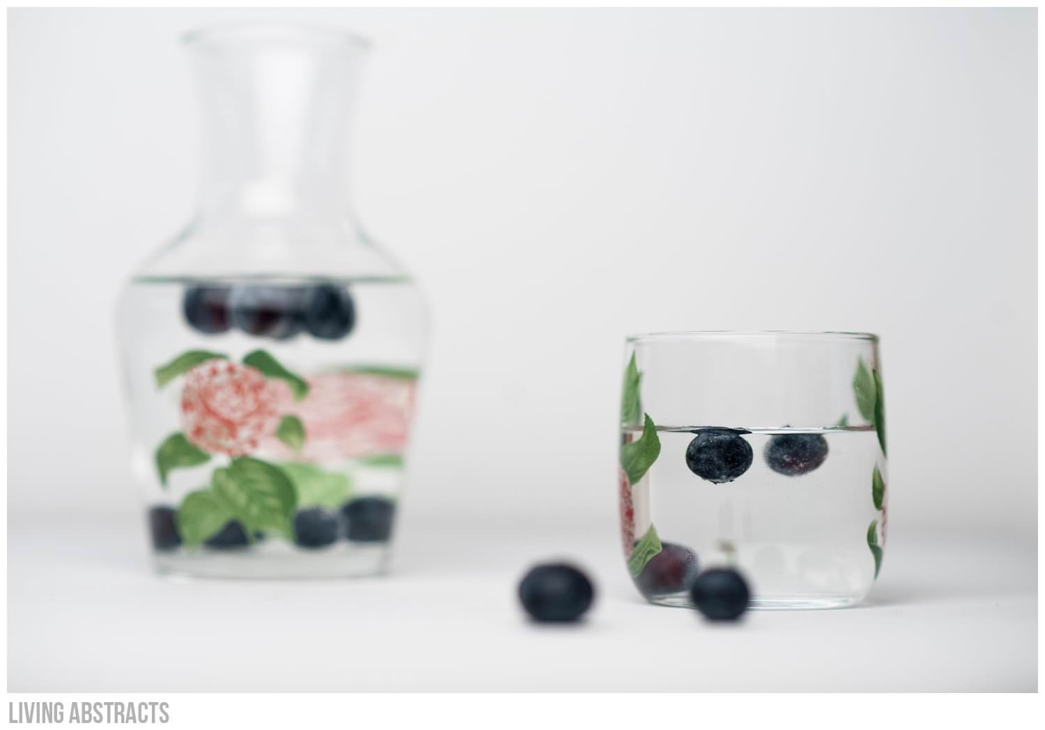 Blueberry water - a tasty way to drink tap water
